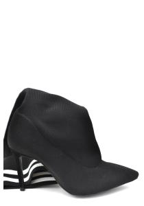 ブーツ Schutz